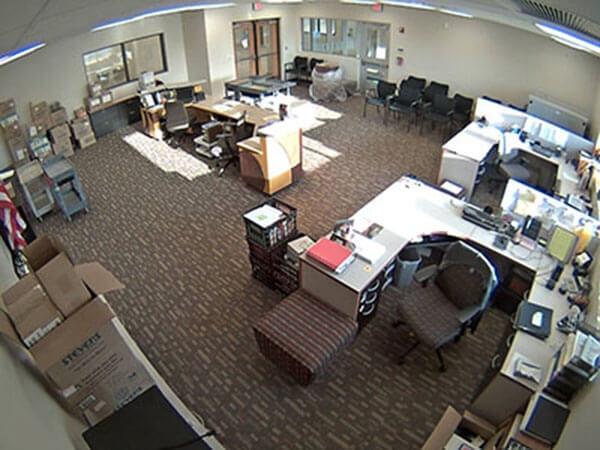 Vị trí lắp đặt camera giám sát ở văn phòng vào của nhà máy, nhà xưởng