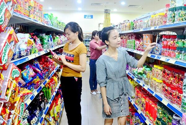 Lắp đặt hệ thống camera giám sát siêu thị tại các quầy trưng bày sản phẩm