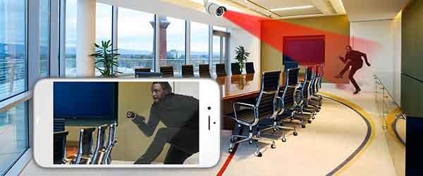 Lắp đặt hệ thống camera giám sát tại khu vực cửa ra vào của công ty
