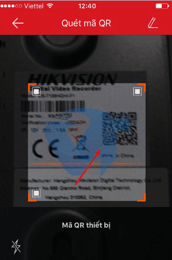 Quét mã QR tương ứng với ID của đầu ghi