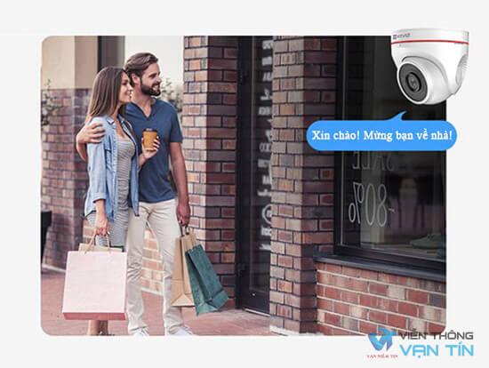 Camera Ezviz C4W dùng giọng nói của bạn để chào đón khách