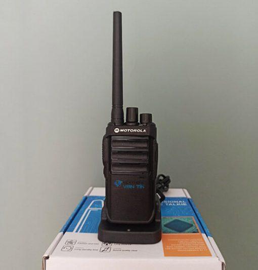 CP 1210 model máy bộ đàm cầm tay Motorola cao cấp 2021